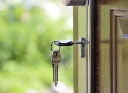 Key-in-door-lock-no-attribute